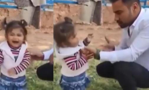 2 yaşındaki yeğenini tokatlayıp ayağını yıkatarak, sigara içiren amcaya suç duyurusu