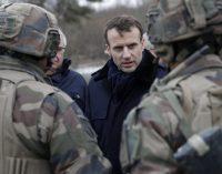"""Fransa'da generallerden Macron'a mektup: """"Büyüyen kaosu engellemezsen iç savaş çıkar"""""""