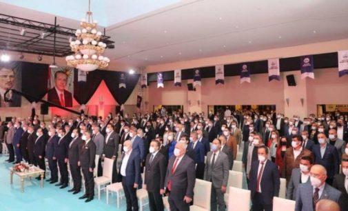 """AKP'ye """"lebaleb"""" kongreler yetmedi, """"lebaleb"""" toplantılar başladı"""