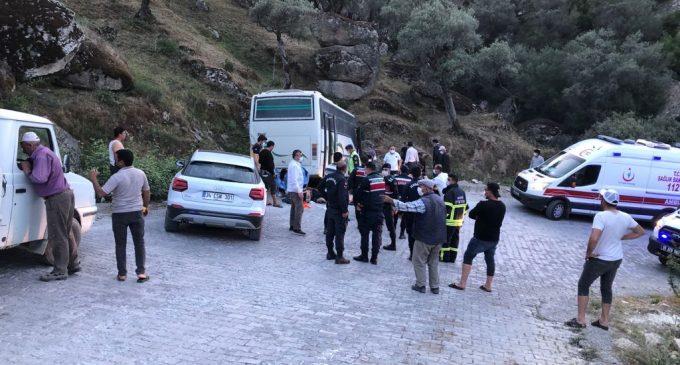İşçi servisi kayalıklara çarptı: 14 maden işçisi yaralı