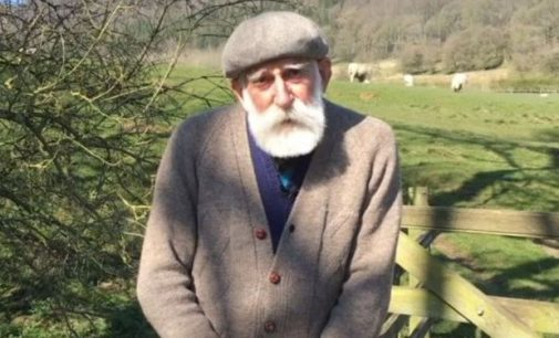 84 yaşındaki çiftçi, ses tonuyla fenomen oldu: İnternetin ne olduğunu bilmiyordum