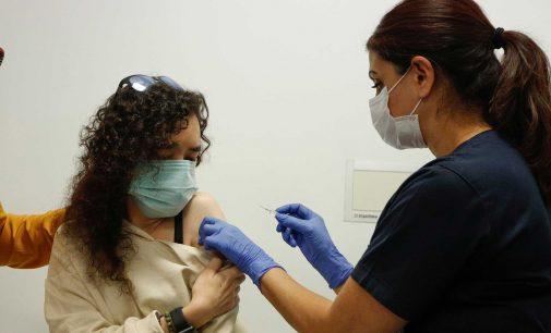 Sağlık Bakanlığı duyurdu: Aşı yapan personele ek ödeme yapılacak