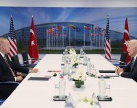 Bloomberg: Erdoğan'ın S-400 konusunda duruşlarının değişmediğini söylemesiyle TL değer kaybetti