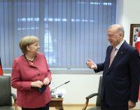 Erdoğan ve Merkel Brüksel'de bir araya geldi