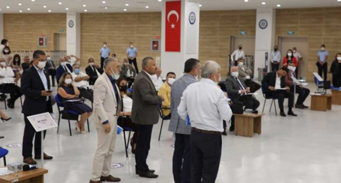 Atatürk'e hakaret eden imama tepki gösterilince AKP ve MHP grubu salonu terk etti
