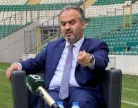 Bursa'da stadyum krizi: Bursalılar AKP'li belediye başkanı Alinur Aktaş'ı istifaya çağırdı