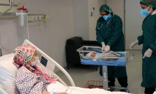 Ankara Şehir Hastanesi'nde 33 koronavirüs hastası hamileden 32'si aşısız