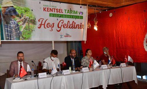 """Çiğli'de tarım zirvesi: """"Çiftçilik batırıldığı için tarım çok ciddi sıkıntılar yaşıyor"""""""