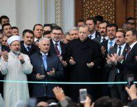 """""""Artık hayatı sadece dindarlığı üzerinden görmeyen kesimler AK Parti'den kopuyor, yeni adres arıyor"""""""