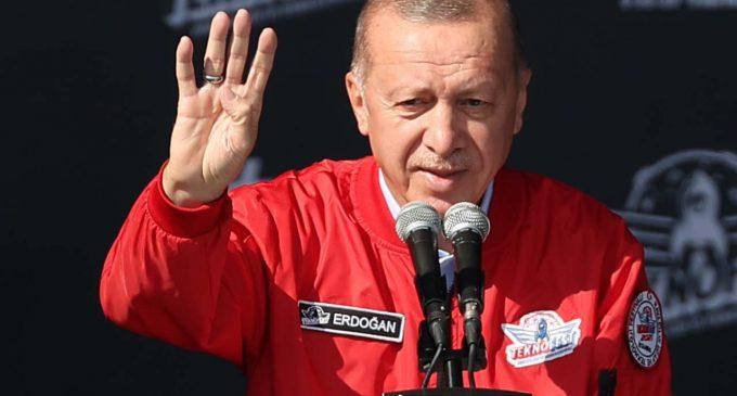 Erdoğan: Varsın birileri ülkenin gençlerini siyasi ikballeri uğruna kutuplaştırsın