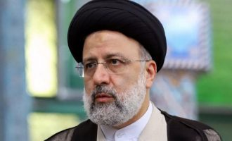 İran Cumhurbaşkanı: Yaptırım uygulamak ABD'nin yeni savaş şeklidir