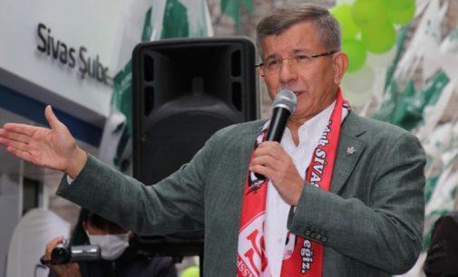 Davutoğlu: Bahçeli'nin Başbakan Yardımcısı olduğu tabloya Türkiye'yi tekrar geri getirdiler