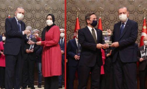 """Sarayın """"Medya Ödülleri"""" dağıtıldı: Ödüller yandaşa…"""