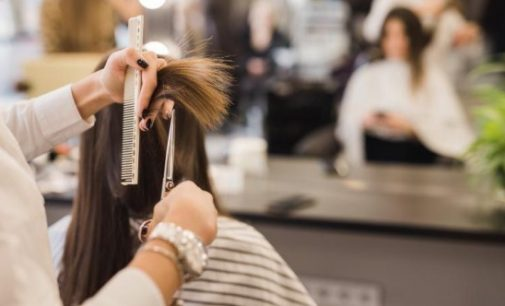 Kuaför yanlış saç kesimine 2.4 milyon lira tazminat ödeyecek