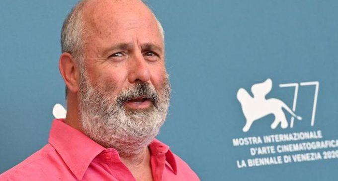 Ünlü yönetmen Roger Michell yaşamını yitirdi