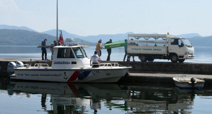 Tur teknesinde asker eğlencesi: Bir ölü, 12 gözaltı