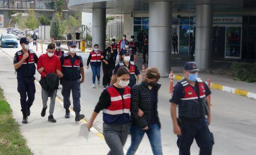 İzmir'de uyuşturucu operasyonu: Gözaltına alınanlar arasında doktor ve eczacılar da var