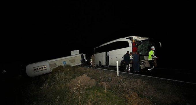 Nevşehir'de öğrencileri taşıyan iki otobüs çarpıştı: 40 yaralı